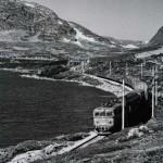 El. 13 med lokalgodstog 5532 ved Taugevatn (14.08.1976)