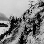 O. Bjelvas arbeidslag i en bratt skråning ved Krødern (19. mars 1905)