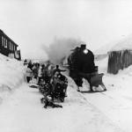 Påsketrafikk på Finse (1949)